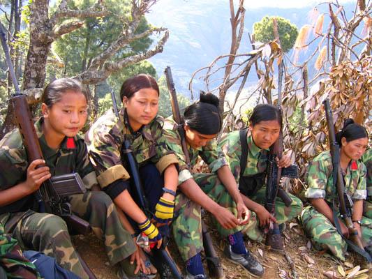 1_maoistwomenarmies